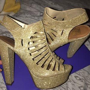 Shoes - Sexy glitter gold platform heels
